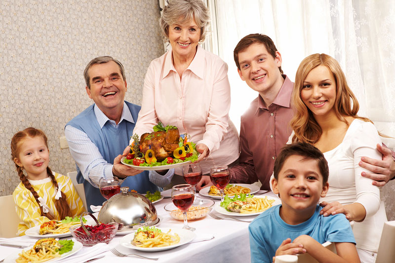 5 Thanksgiving Traditions Every Family Should Do in the ...
