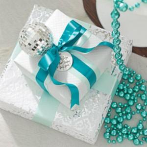 blue-white-gifts-m-300x300.jpg