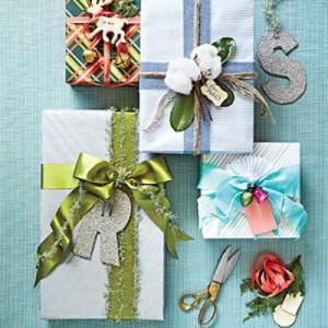 holiday-gift-wrap-christmas-m-300x300.jpg